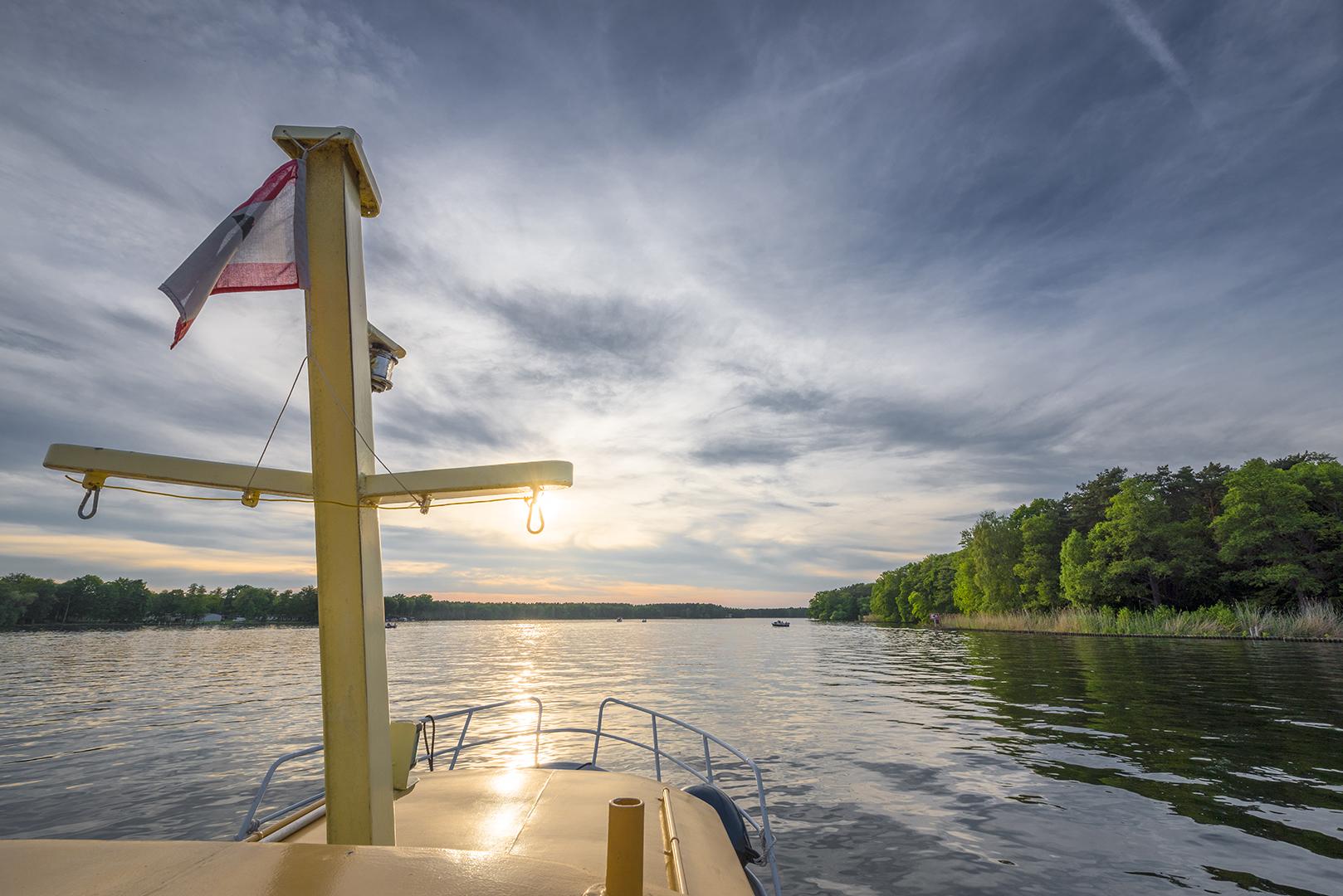 Mit dem FOTOBOOT auf dem Langer See, Teilstück der Dahme. Berlin-Müggelheim, 22.05.2016